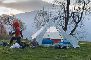 Наши обычные выходные. Поход с детьми в Гималаях