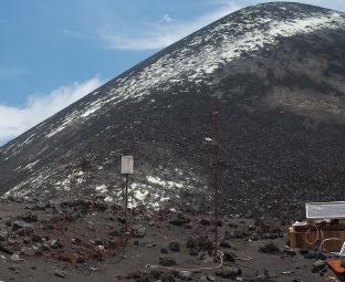 """Гостиница """"Жерло"""" : как мы поднимались на вулкан Кракатау"""
