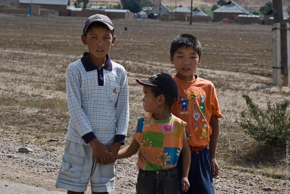 По Жумгальскому району Киргизии автостопом