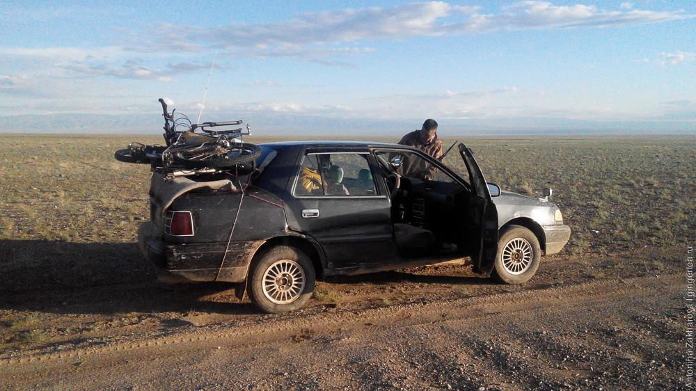 перевозка велосипедов на легковой машине в Монголии