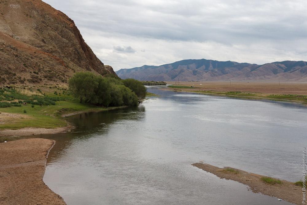 река Дэлгэр-Мурэн в Монголии