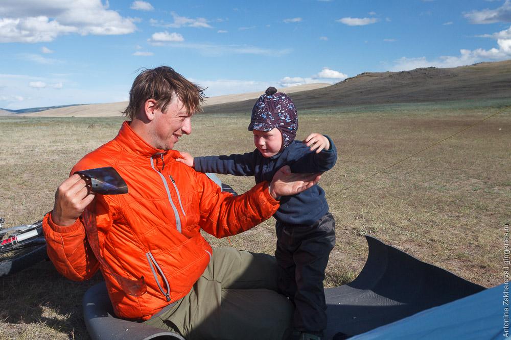 палатка в высокогорных степях Монголии