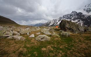 Цветы и грозы: горный поход по Северной Осетии