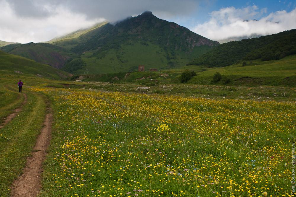 горный поход с ребенком по Северной Осетии в июне