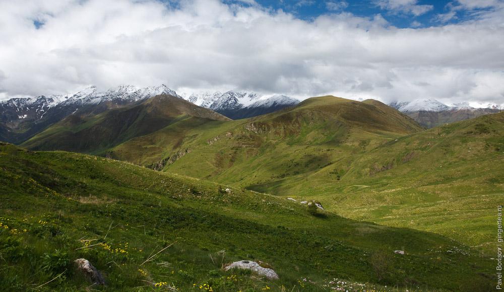 рядом с перевалом Саварафцаг