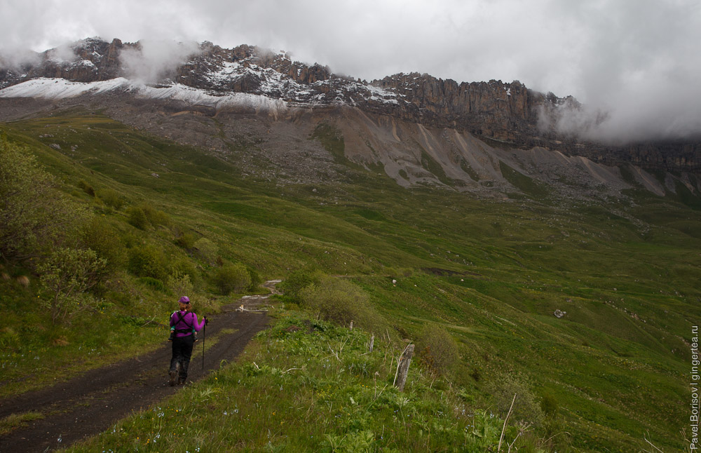 Скалистый хребет в Северной Осетии